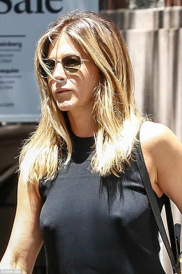The Goddess Manifests Herself In The Form Of Cuteness,<br />We Just Call Her The Goddess Of Cuteness!&NewLine;&NewLine;Gallery Goddess Of Cuteness - Jennifer&lowbar;Aniston-Cute-049&period;jpg